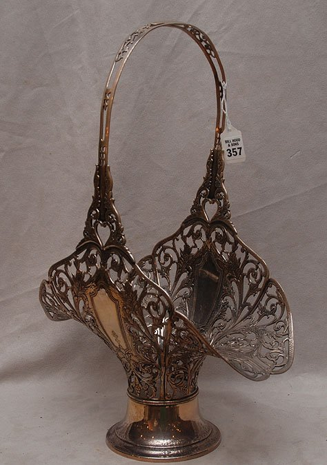 357: Silver plated reticulated basket, mid 20th c. with