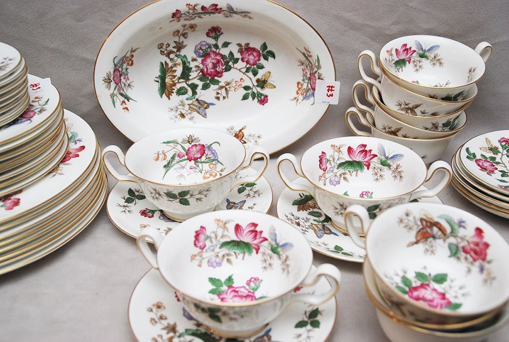 "3: Wedgwood incomplete china set, ""Charnwood"", 8 dinner"