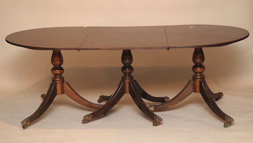 115: Mahogany dining table double pedestal with 2 leave
