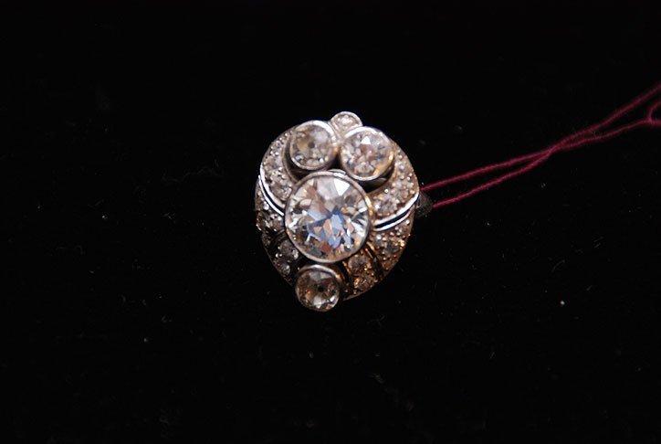 105: Ladies Platinum ring approx. 3.85ct
