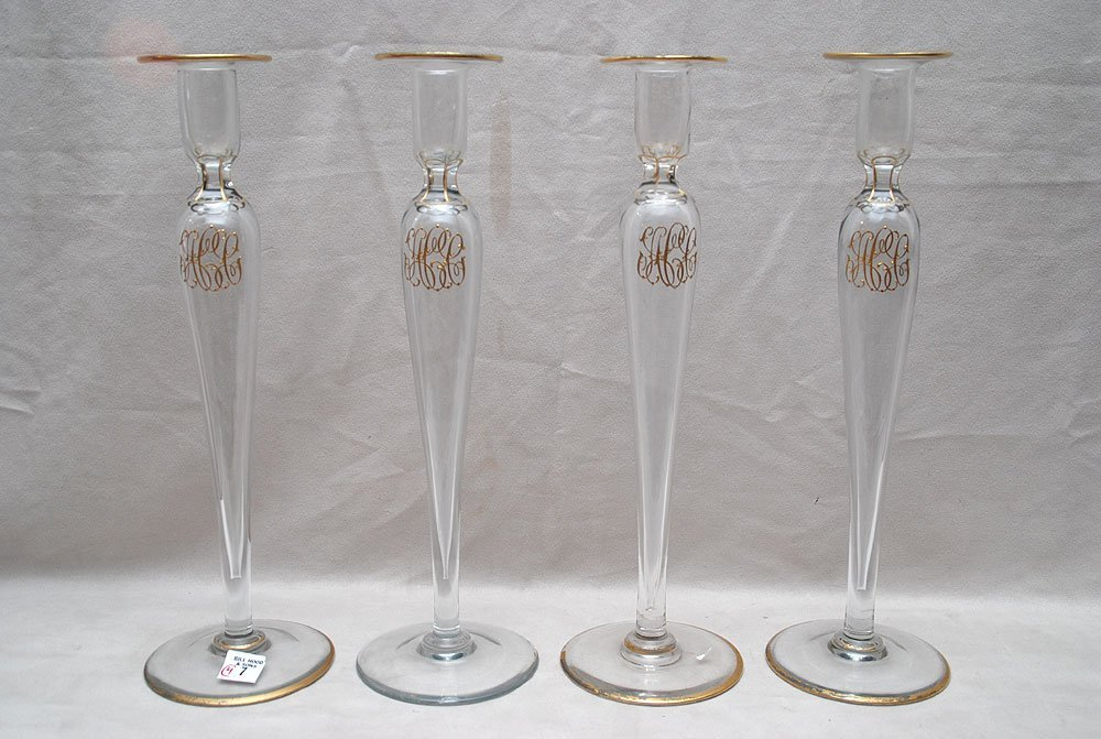022: 4 elegant crystal candleholders with gilded monogr