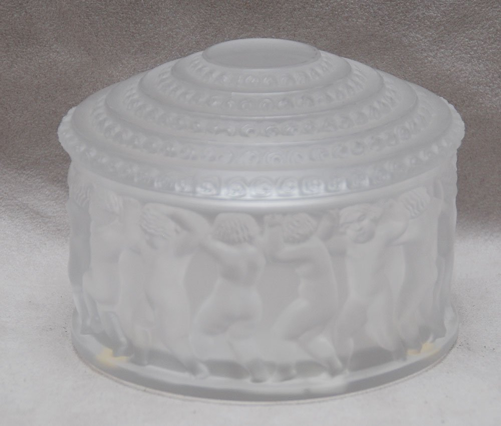 "19: Lalique crystal, frosted powder box ""Les Enfants"" 3"