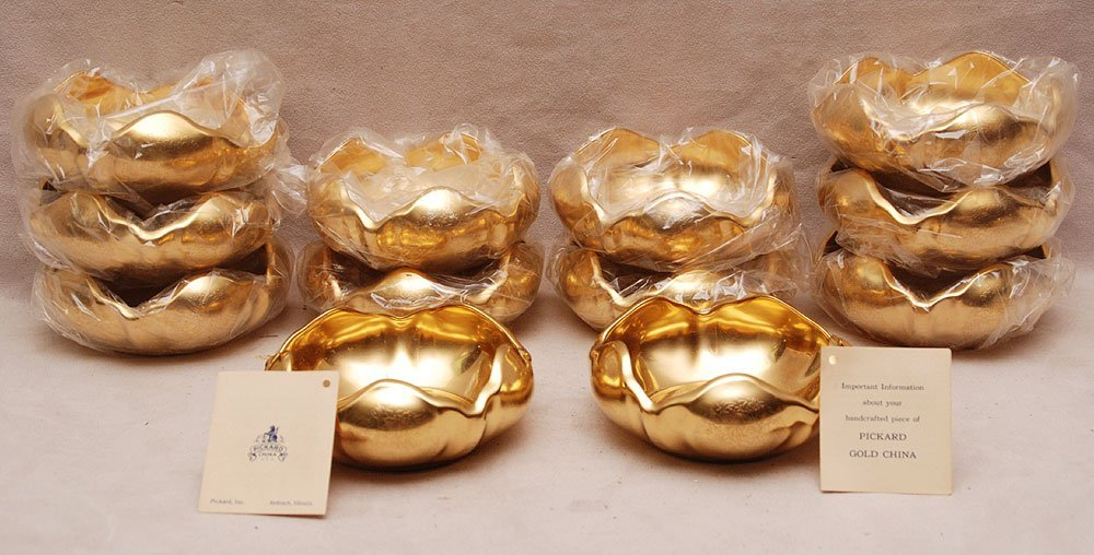 "19: 12 petal shaped Picard gold bowls, 2""h x 5""dia"