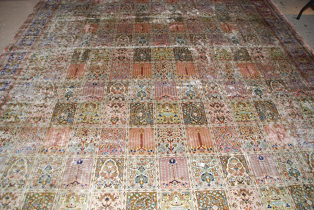 425: Large Chinese Silk Rug, 10' x 14' - 5