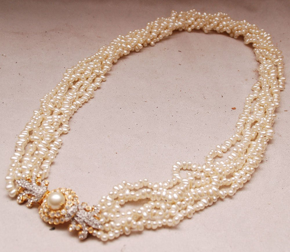 Kenneth Lane pearl necklace