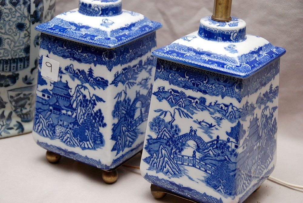 Two pairs of Blue and white oriental lamps - 2