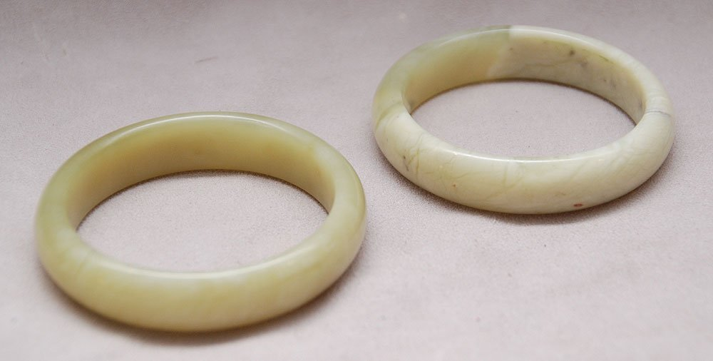 Pair of jade bracelets