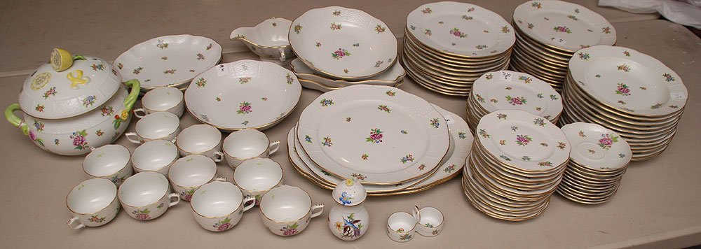 Herend dinner service commemorating the 100th year (186