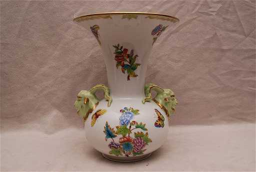Herend Vase With Flare Rim And 2 Rams Heads Queen Vi