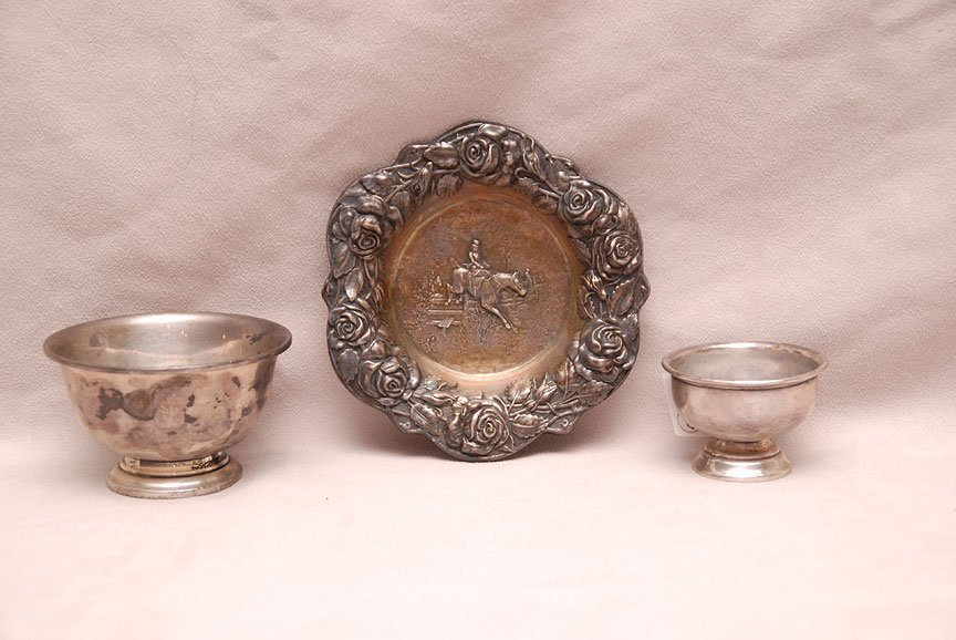 3 sterling items, 2 bowls and horse ashtray, 8ozt