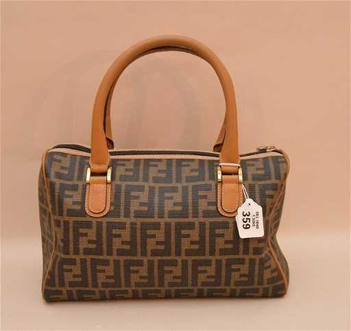 f33b4fcf20 Vintage Fendi leather bag satchel