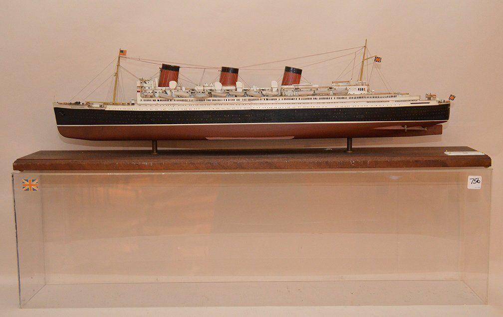 "Vintage wood ships model ""Queen Mary"", Plexiglas 18"