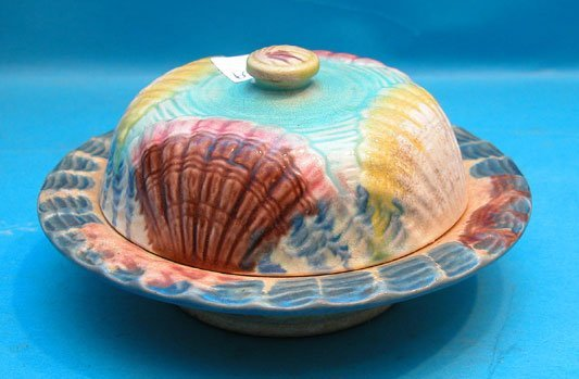 "8: Majolica covered butter dish, shell pattern, 7""w x 3"
