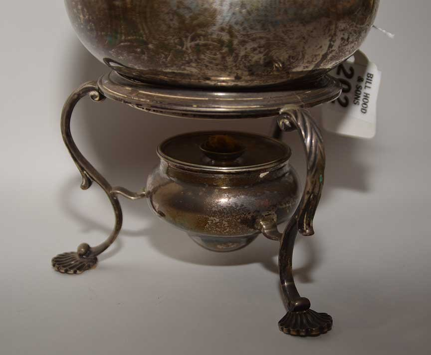 Georgian silver teapot on stand, circa 1750, Wm. Shaw - 4
