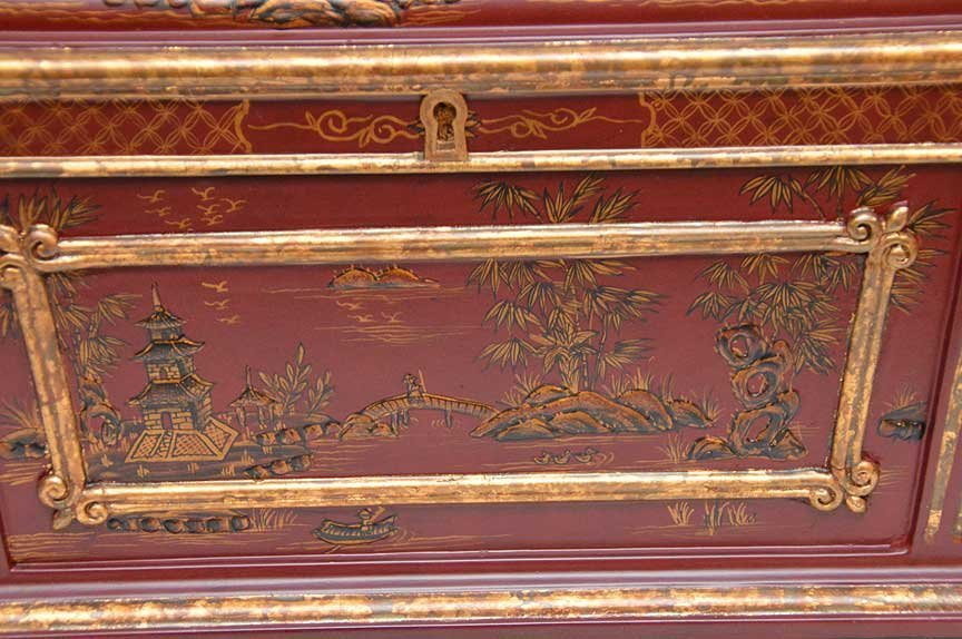 Chinese red and gilt chinoiserie rectangular footed box - 2