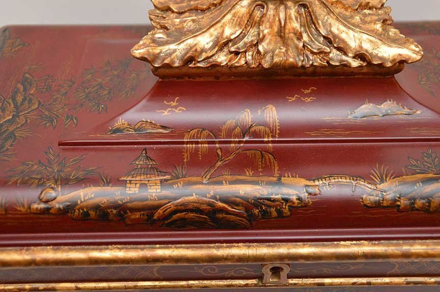 Chinese red and gilt chinoiserie rectangular footed box - 4