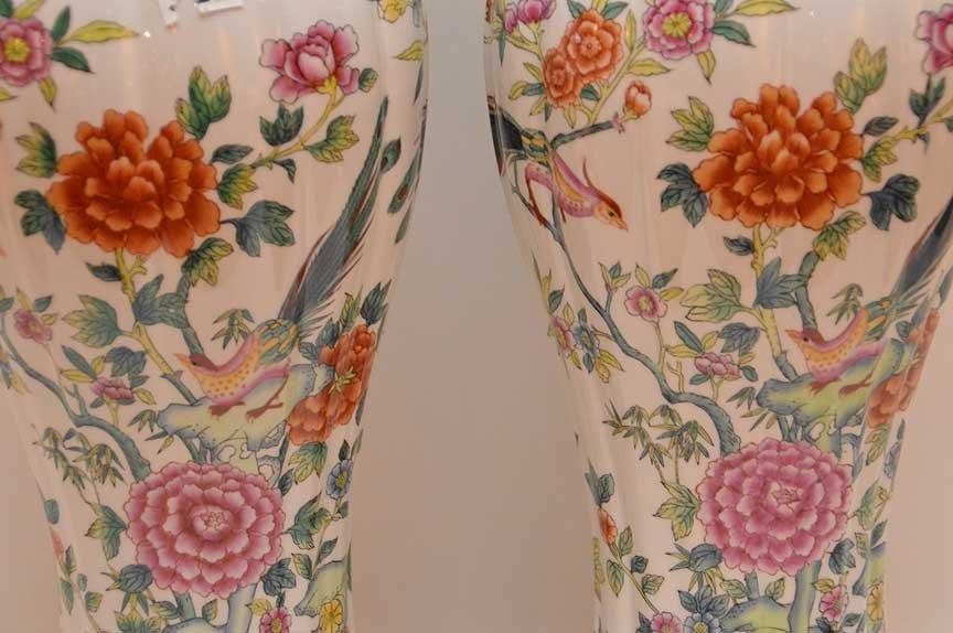 Pair of Chelsea House Italian porcelain vase, bird & - 2