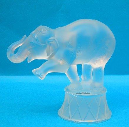 16: Lalique elephant in original box, elephant is on st