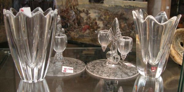 """19: (2) 6""""h pointed Orrefors vases and pair of 5""""h x 5"""""""