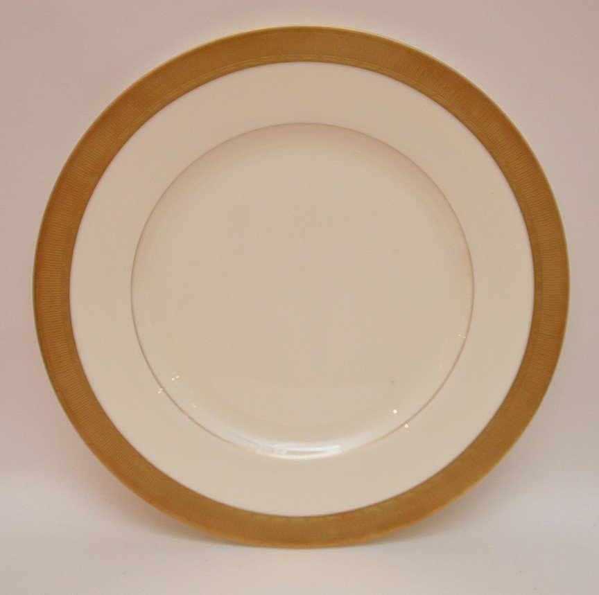 "Set 12 Royal Worcester Porcelain Plates.  Dia. 10 3/4"" - 2"