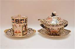 """Royal Crown Derby """"Imari"""" porcelain covered tureen with"""