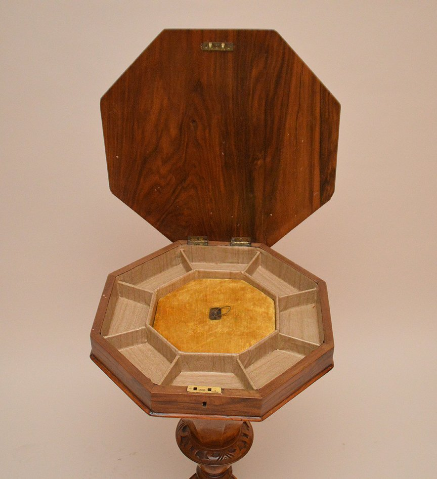 Burled wood Victorian sewing stand, octagonal form lid - 4