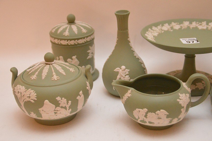 7 pieces Wedgwood Jasper green ware - 2