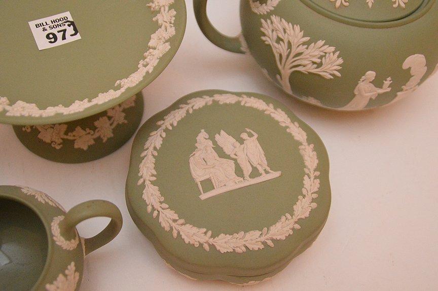 7 pieces Wedgwood Jasper green ware - 4