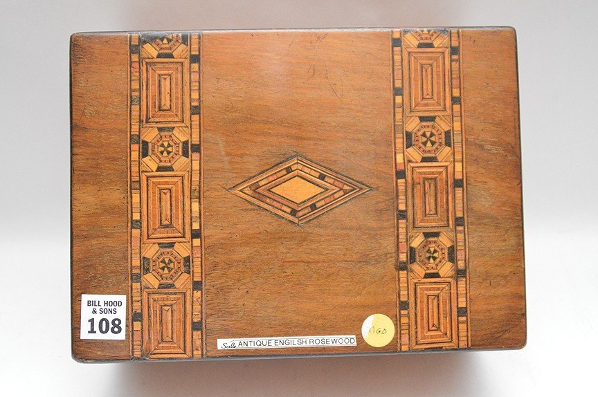 Antique English Rosewood box with fine marquetry design - 2