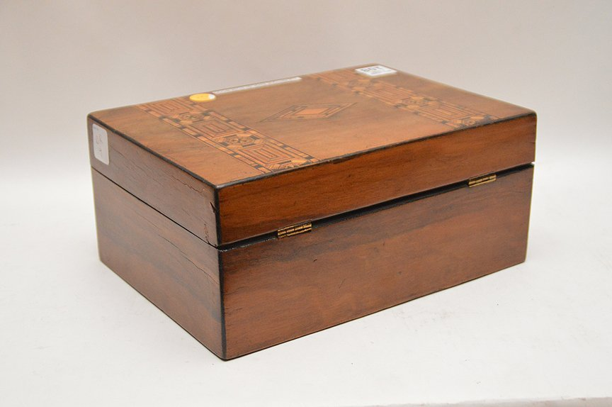 Antique English Rosewood box with fine marquetry design - 3