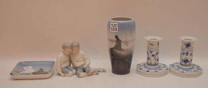 """5pcs. Royal Copenhagen porcelain, incl; 1 vase (7""""h),"""
