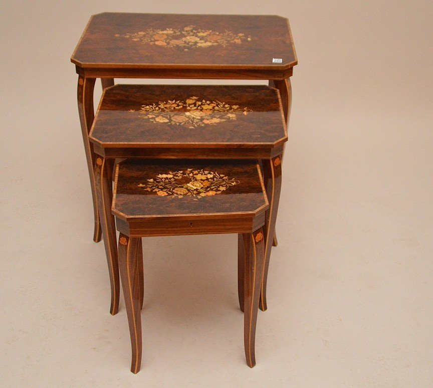 3 Italian graduated marquetry nest of tables, smallest