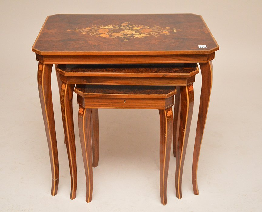 3 Italian graduated marquetry nest of tables, smallest - 3