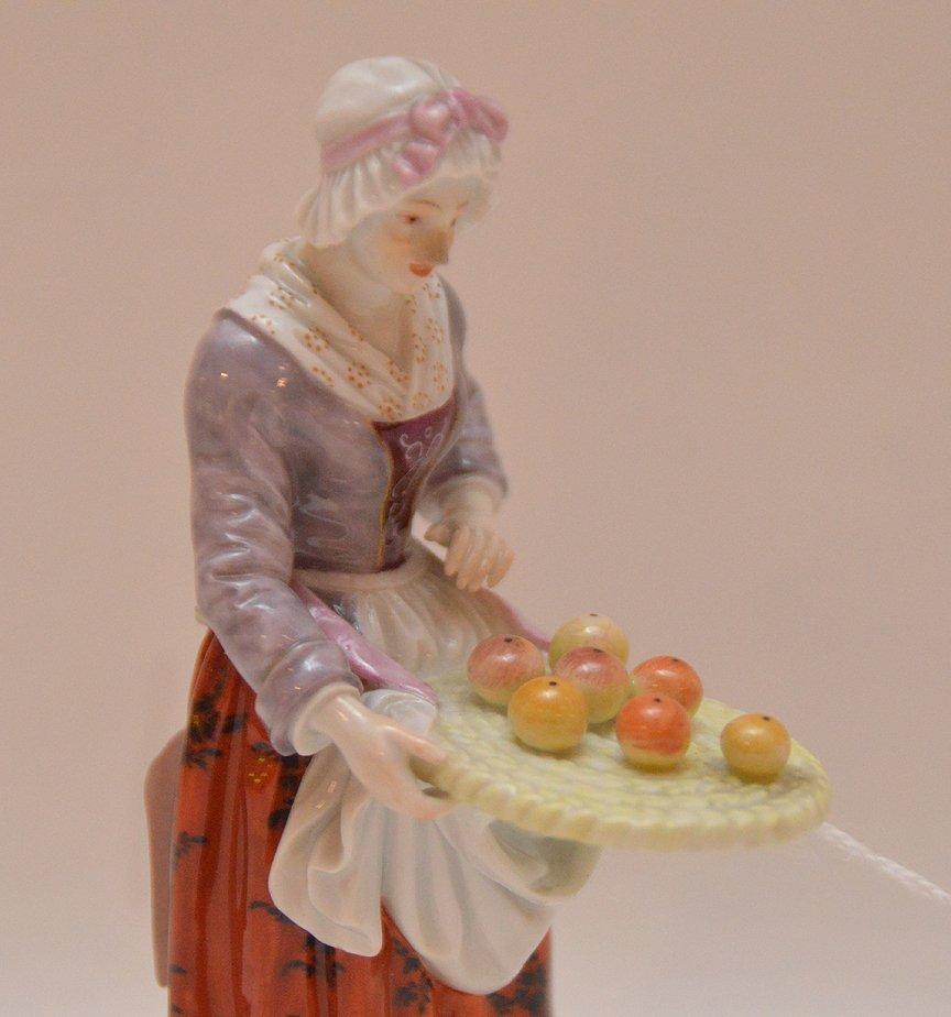 Meissen Porcelain Figure woman with fruit basket, Ht. 5 - 3