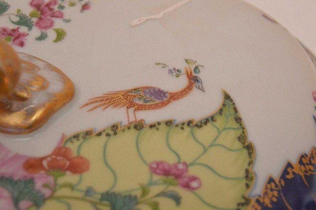 """Mottahedeh porcelain """"Tobbaco Leaf"""" large tureen, 9""""h x - 4"""