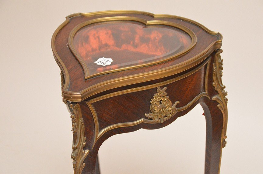 Rosewood heart form vitrine with gilt metal mounts, - 2