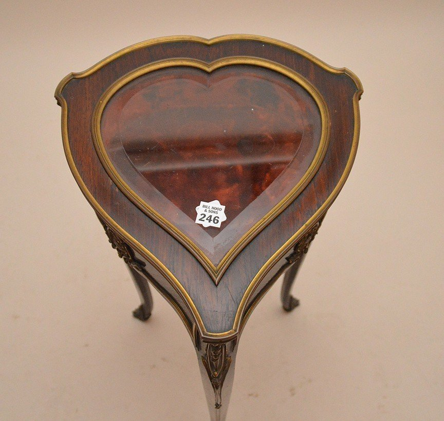 Rosewood heart form vitrine with gilt metal mounts, - 4
