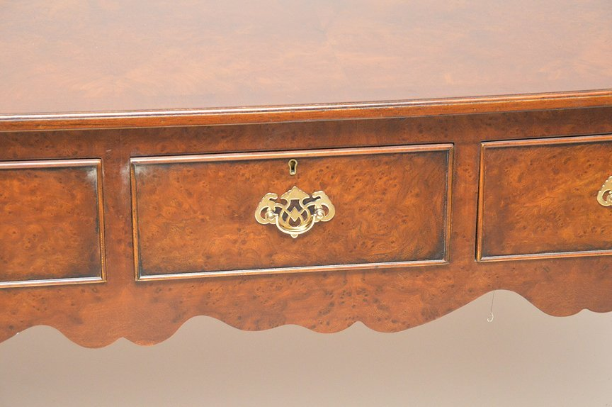 Fine custom sideboard, 4 side by side drawers on Queen - 6