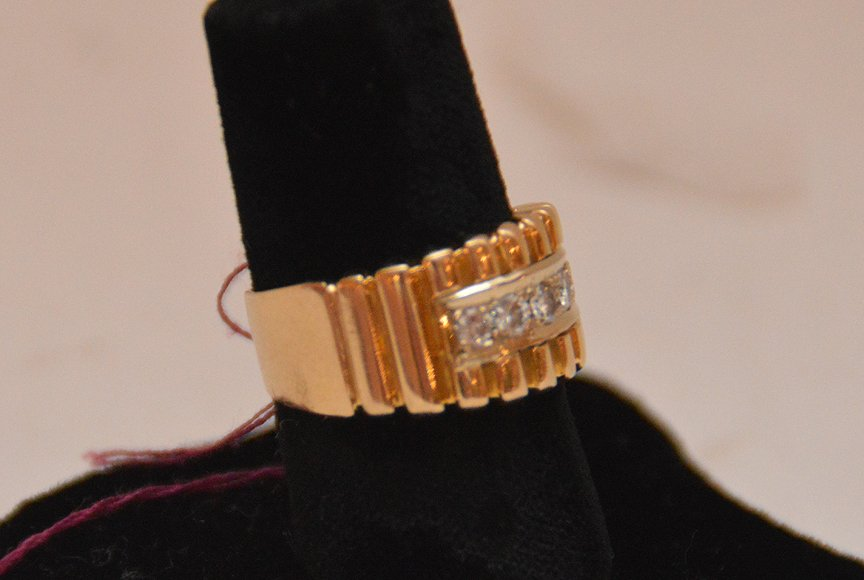 Ladies ring, 14kt gold, channel motif with 5 diamonds - 2
