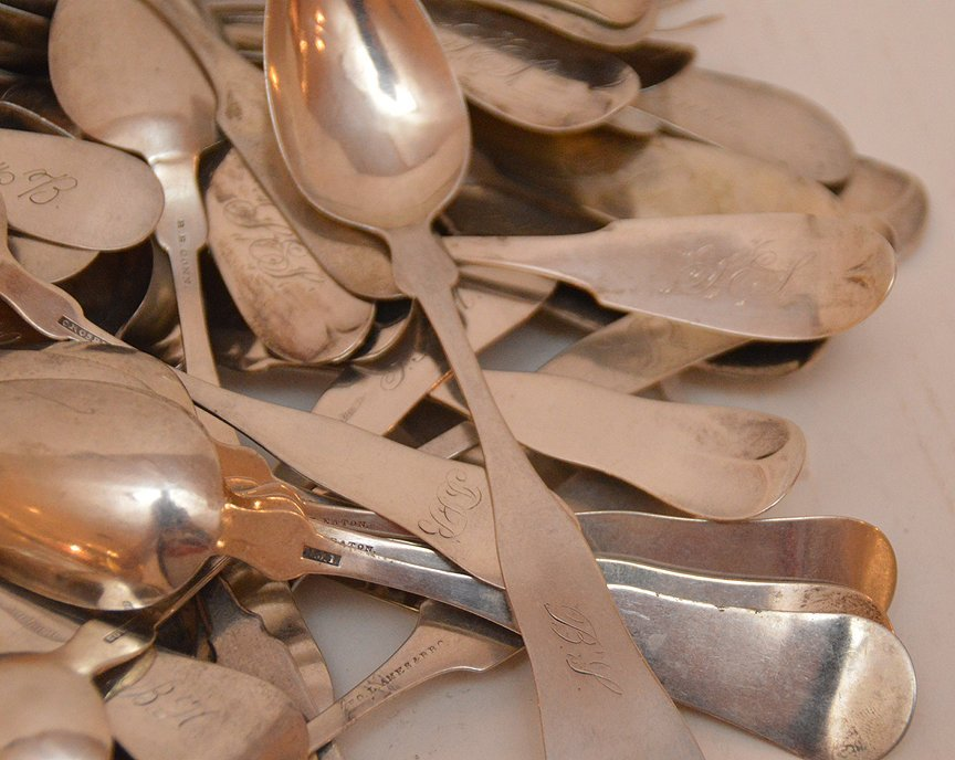 Lot 60 Coin Silver Spoons of various sizes and makers. - 3