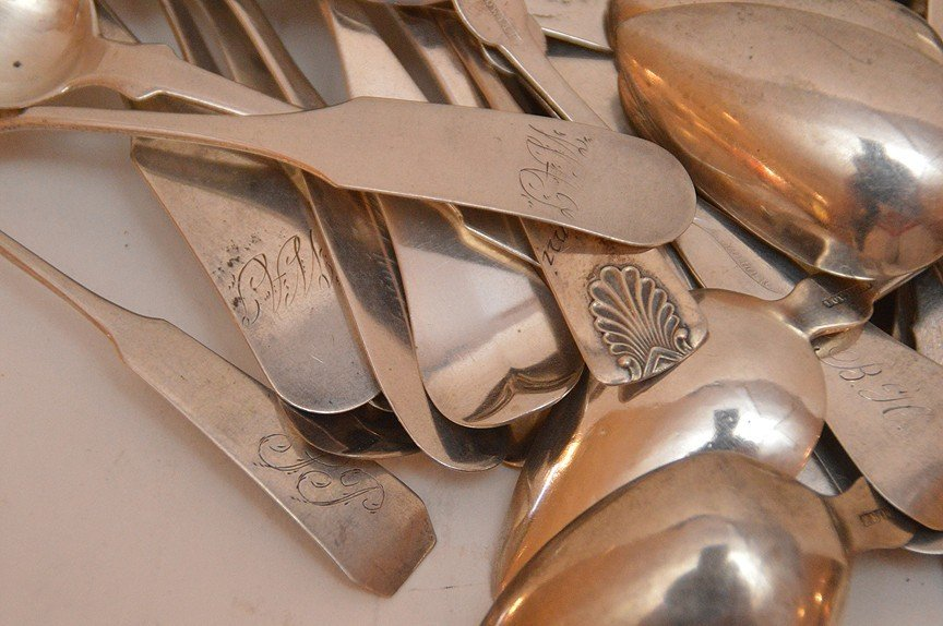 Lot 60 Coin Silver Spoons of various sizes and makers. - 4