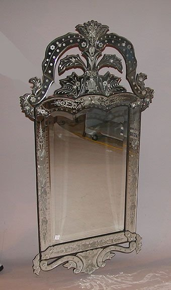 1079D: Venetian Style Mirror with Beveled & Etched glas
