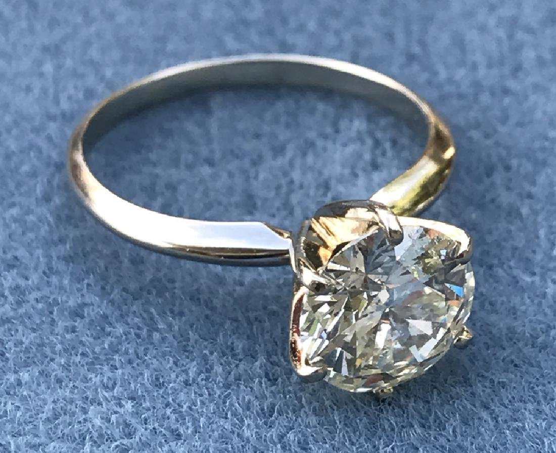 A 14Kt White Gold Diamond Ring Prong with a 2.10 Carats