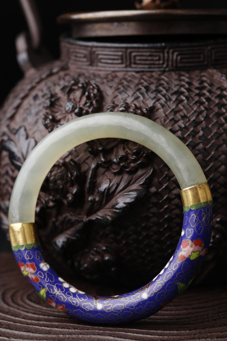 An Old Cloisonne Bangle