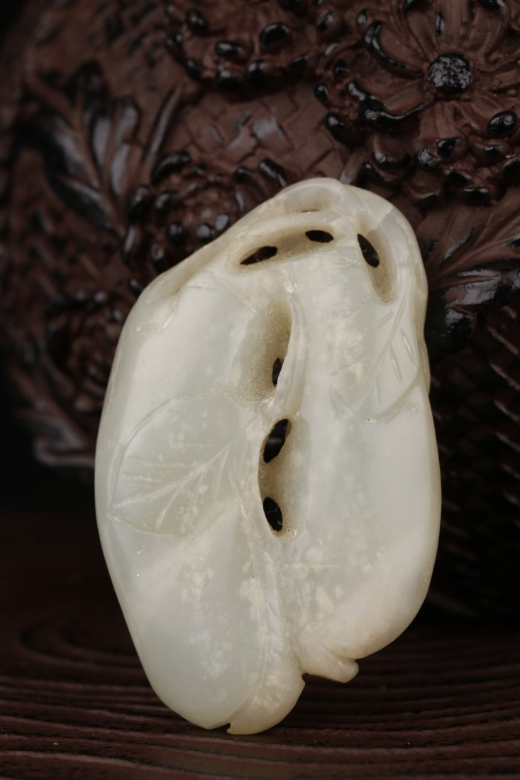 A Qing Dyansty  Hetian Jade Carved Toggle Piece