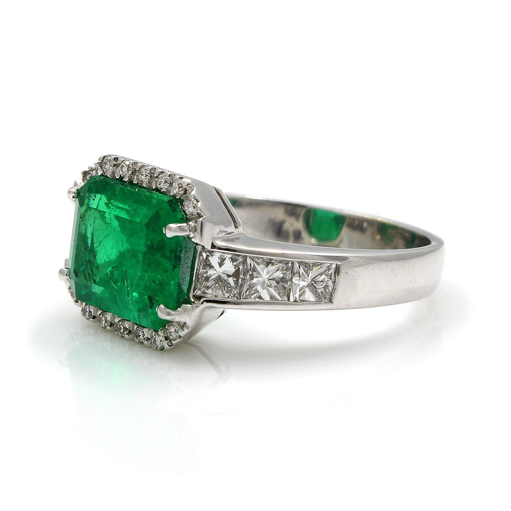 Emerald Diamond 18K White Gold Ring - 3