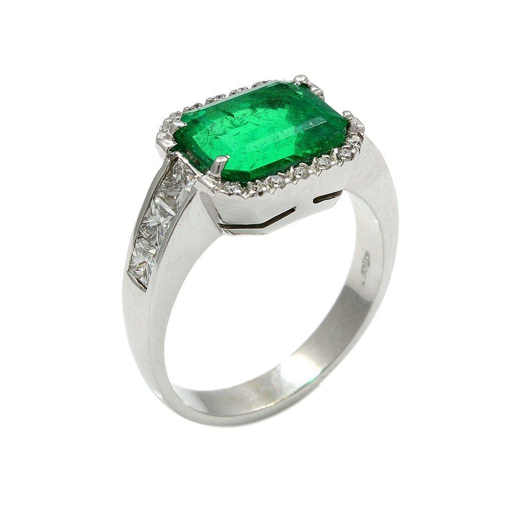 Emerald Diamond 18K White Gold Ring - 5