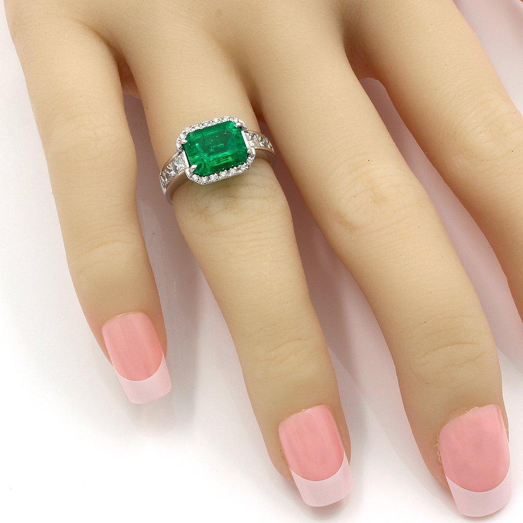 Emerald Diamond 18K White Gold Ring - 6