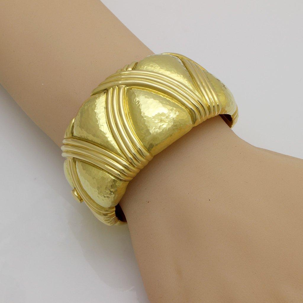 Italian 18K Gold Bangle Bracelet - 3