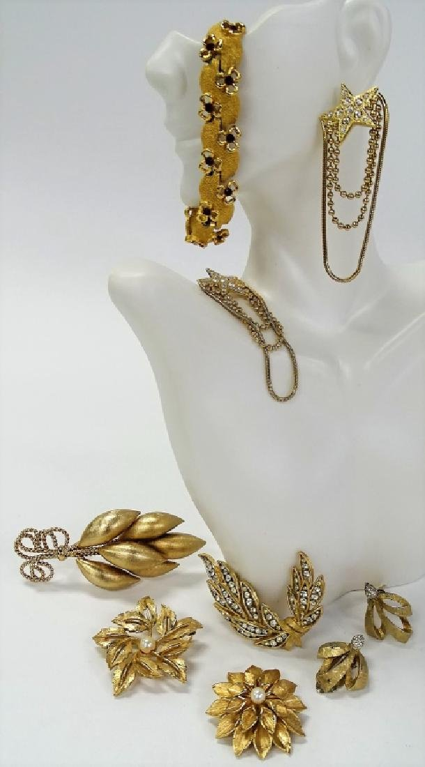 LOT OF GOLD TONE COSTUME JEWELRY